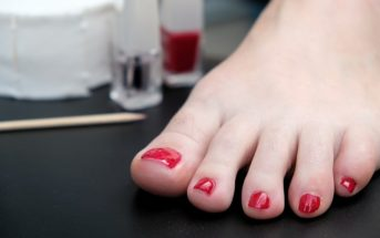 how to remove a toenail