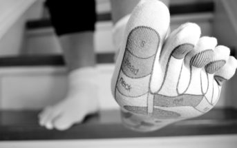 middle toe pain